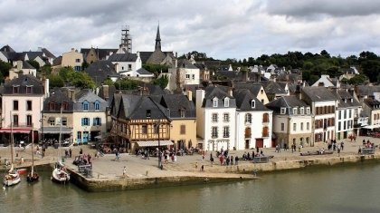 auray-featured.jpg